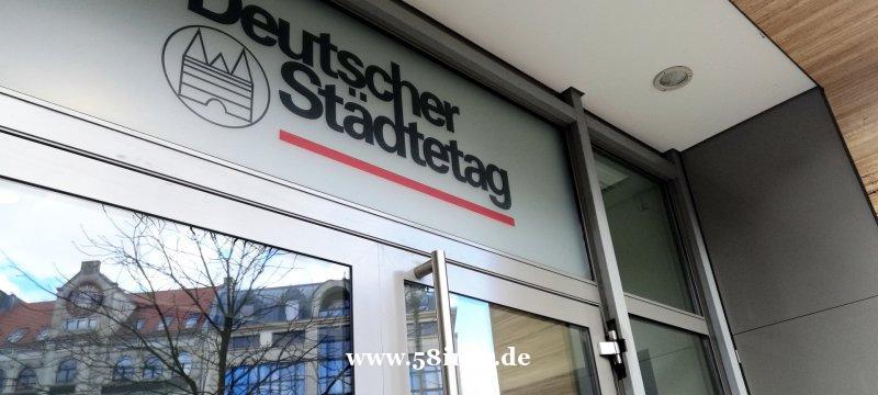 """德国冠状病毒疫情-接触禁令""""正确""""-但对经济的担忧"""